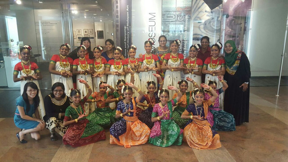 Indian Dance - Group Photo 02